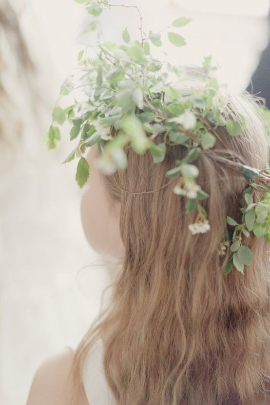 natural-flower-girl-wreath