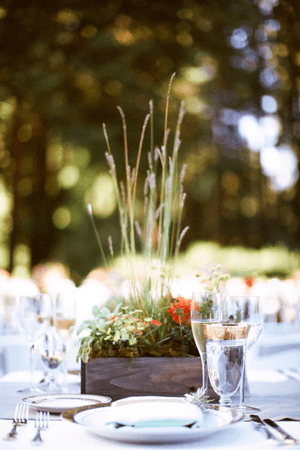outdoor-wedding-flowers