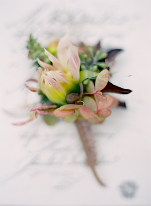 pink-wedding-boutonnieres