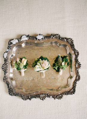 rustic-wedding-boutonnieres1