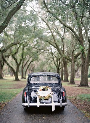 wedding-car-wreath-ideas