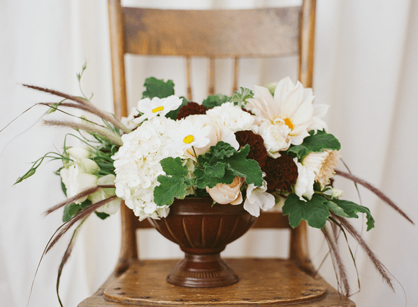 white-rustic-wedding-flowers