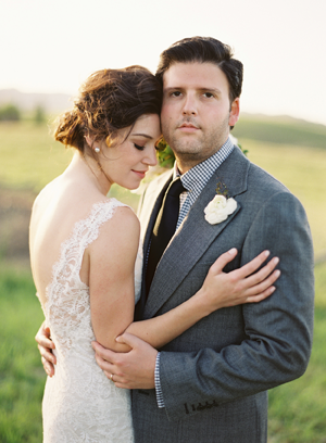 Carneros-Inn-elegant-wedding-couple