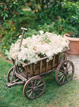 carnation-outdoor-wedding-ideas