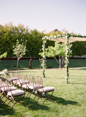 dogwood-white-wedding-ceremony-ideas