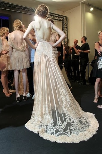 fashion-week-wedding-dress-antique-lace