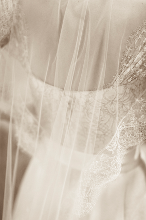 lace-vintage-wedding-veil