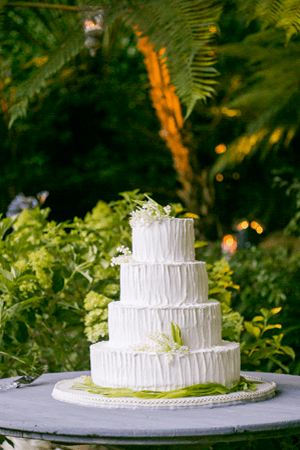 lily-of-the-valley-wedding-cake-ideas