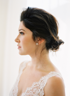 low-wedding-chignon-updos