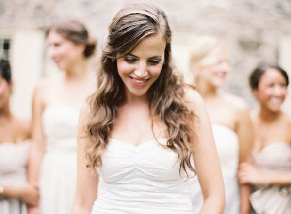 outdoor-wedding-hairstyles-for-long-hair