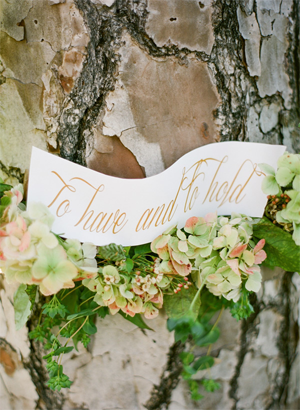 rustic-wedding-wreath-ideas
