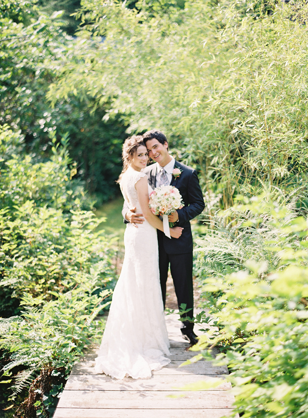 Charming Seattle Outdoor Wedding