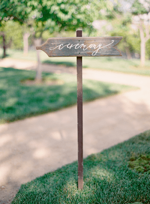 wedding-calligraphy-wooden-signs