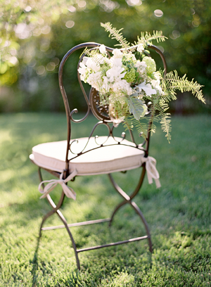 white-wedding-aisle-chair-markers