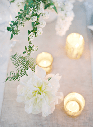 white-wedding-candle-ideas