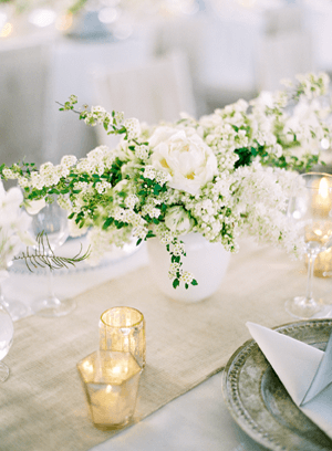 white-wedding-flower-centerpieces