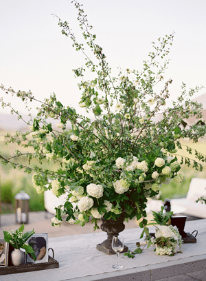 white-wedding-urn-centerpiece