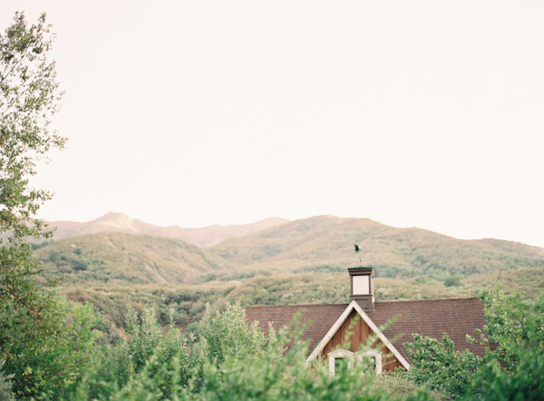 california-rustic-outdoor-wedding