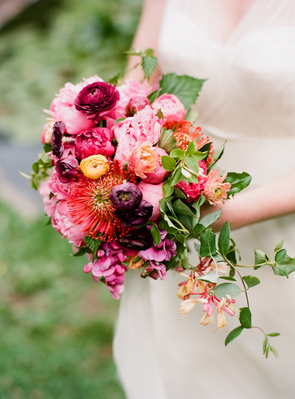 colorful-outdoor-wedding-bouquet