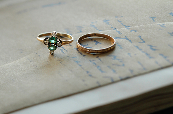gold-wedding-vintage-engagement-rings