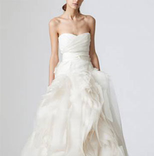 Lovely Vera Wang Preowned Wedding Dresses