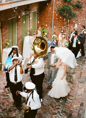 new-orleans-outdoor-wedding-processional