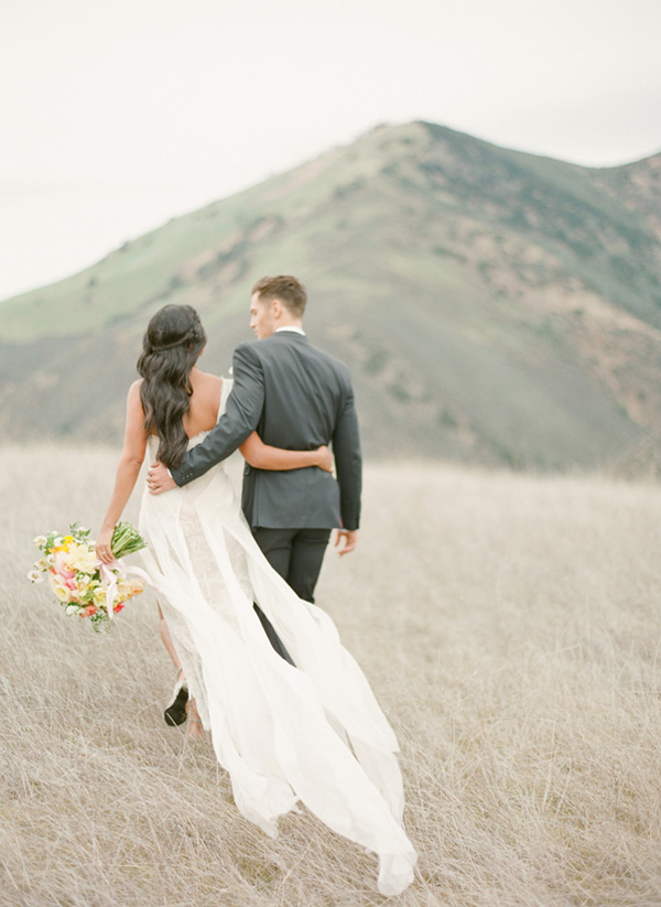 figueroa-mountain-farmhouse-outdoor-wedding