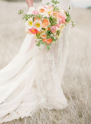 poppy-wedding-bouquets