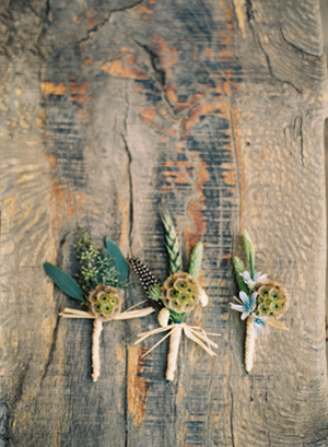 rustic-wedding-boutonnieres