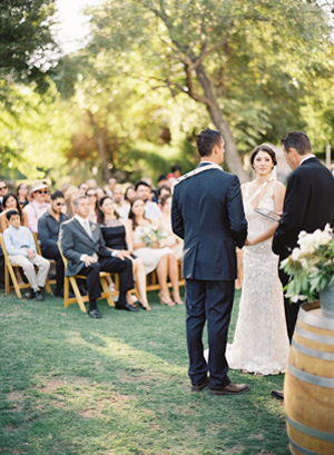 rustic-wedding-outdoor-wedding-ceremony