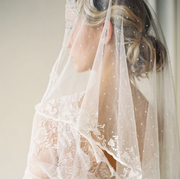 vintage-lace-wedding-veil