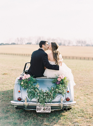 car-garland-wedding-ideas
