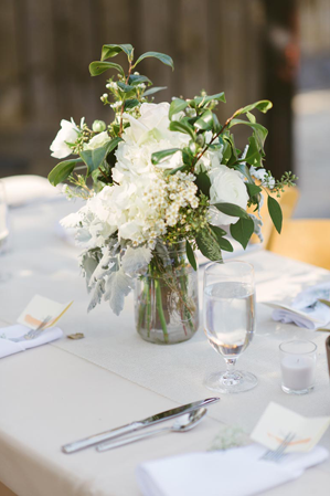 elegant-white-reception-centerpieces