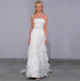 Beautiful Henry Roth Preowned Wedding Dresses