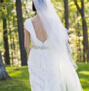 Beautiful Caroline Herrera Preowned Wedding Dresses