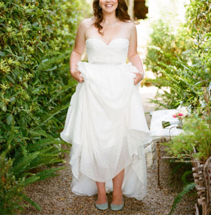Lovely Ivy & Aster Used Preowned Wedding Dresses