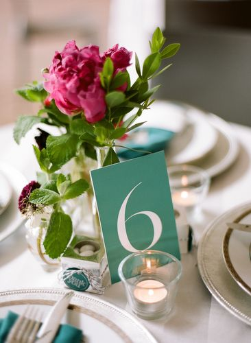 outdoor-wedding-table-numbers