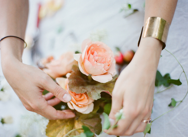 peach-fall-wedding-flowers