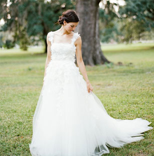 Lovely Pronovias Preowned Wedding Dresses