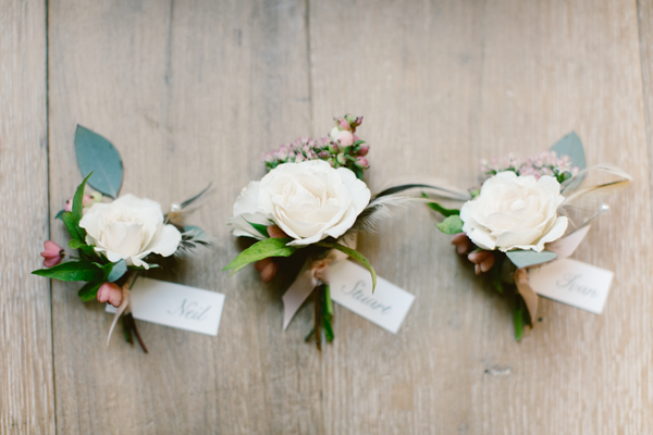 saipua-destination-wedding-boutonnieres