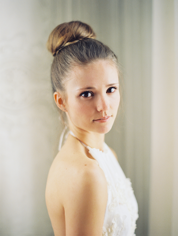 ballerina-top-knot-bun-wedding-ideas