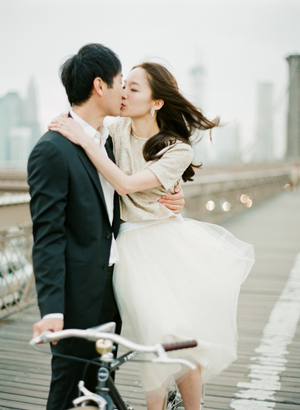 brooklyn-bridge-engagement-photo-ideas