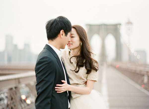 brooklyn-engagement-session-photos-bridge