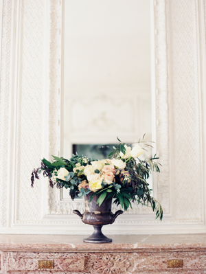 elegant-centerpiece-urn-wedding-ideas