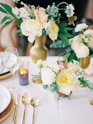 gold-wedding-flower-ideas