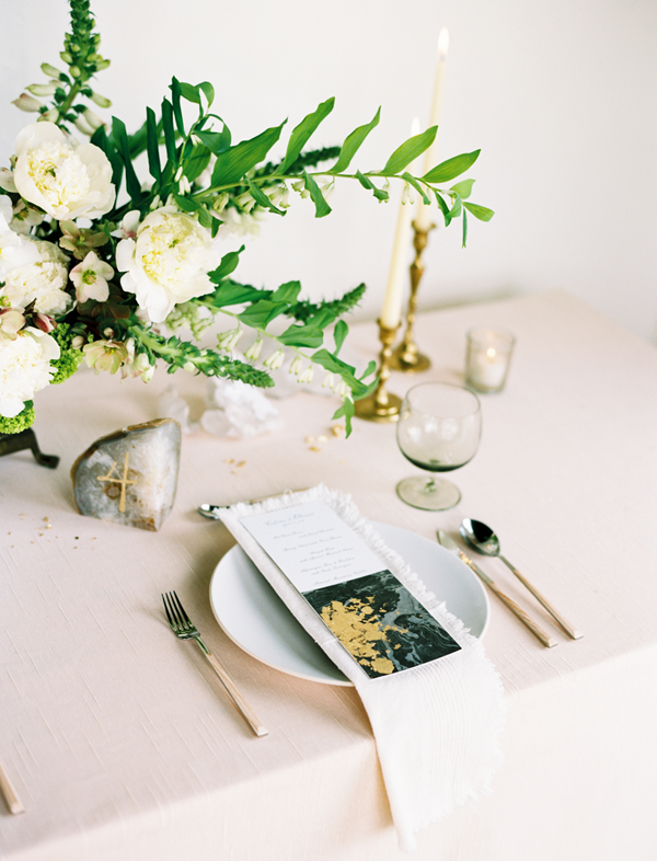 gold-wedding-menu-ideas
