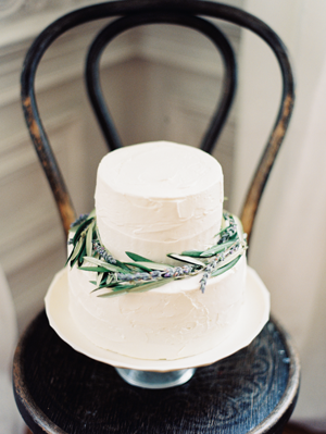 olive-branch-wedding-cake-ideas