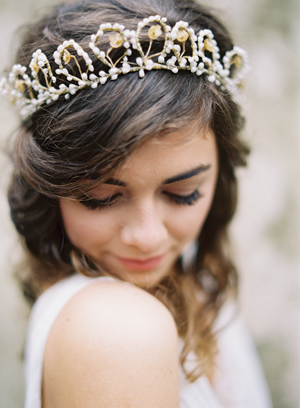 wax-bud-crown-wedding-ideas