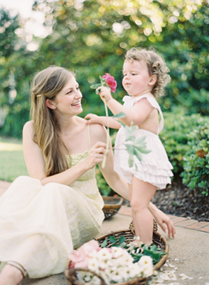 adorable-maternity-garden-shoot-ideas