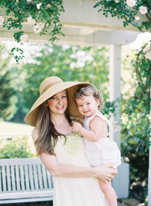adorable-maternity-outdoor-shoot-ideas